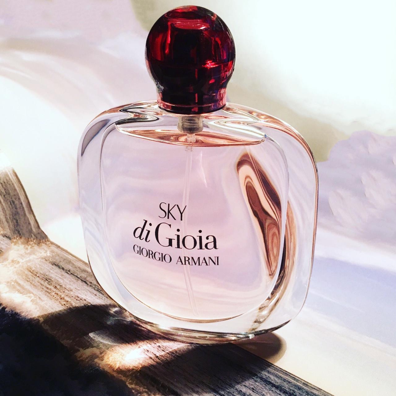 картинки парфюма от армани меньше зазоры, тем